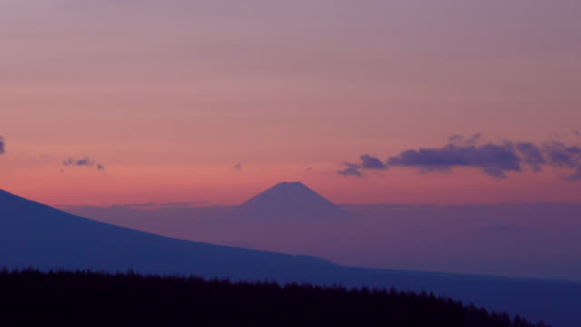 Mt. Fuji dawn from Kirigamine - Time Lapse