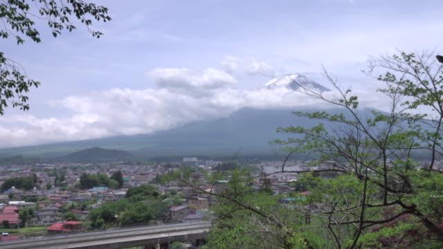 日中の富士山 - 山梨県点の映像素材/bロール