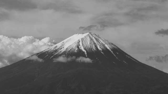 Mt. Fuji (Black and White Time Lapse)