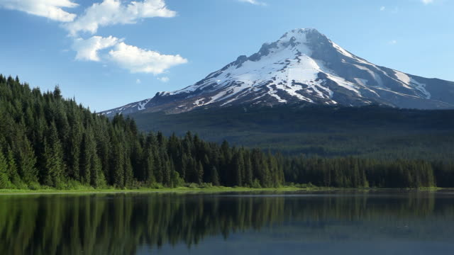 hd mt. hood in oregon - mt hood stock videos & royalty-free footage