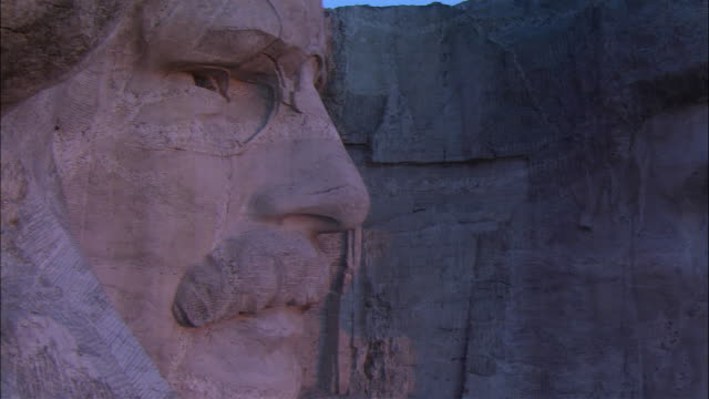 cu pan mt. rushmore, roosevelt and lincoln, keystone, south dakota, usa - mt rushmore national monument stock videos and b-roll footage