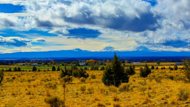 mt 南姉妹、オレゴン - オレゴン州クレーター湖点の映像素材/bロール