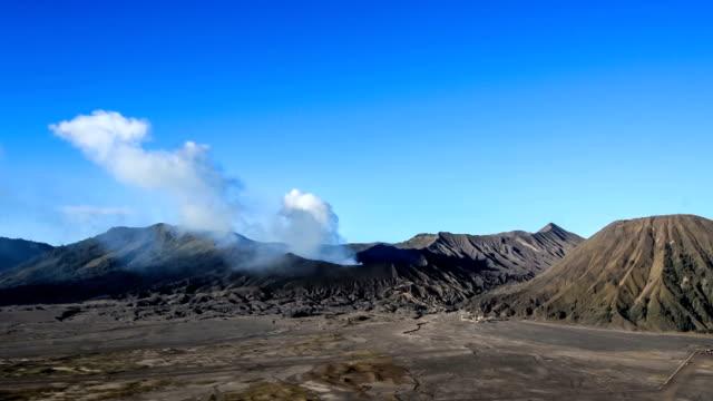 mt.bromo time lapse - bromo tengger semeru national park stock videos & royalty-free footage
