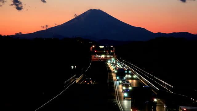 mt.fuji と交通 - traffic jam点の映像素材/bロール