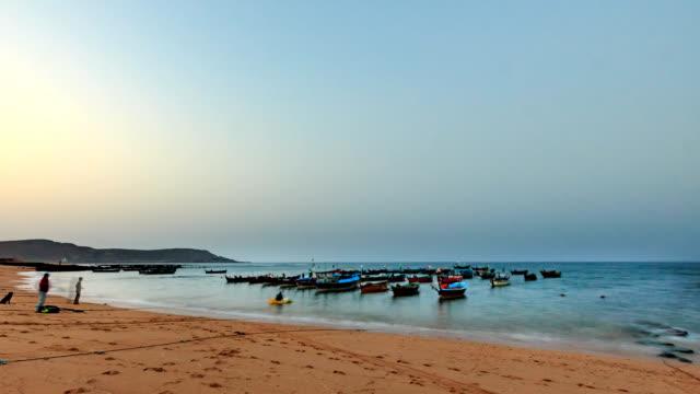 mubarak village beach, karachi - karachi stock videos & royalty-free footage