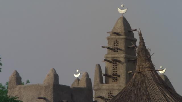 mud mosque in africa - adobe bildbanksvideor och videomaterial från bakom kulisserna