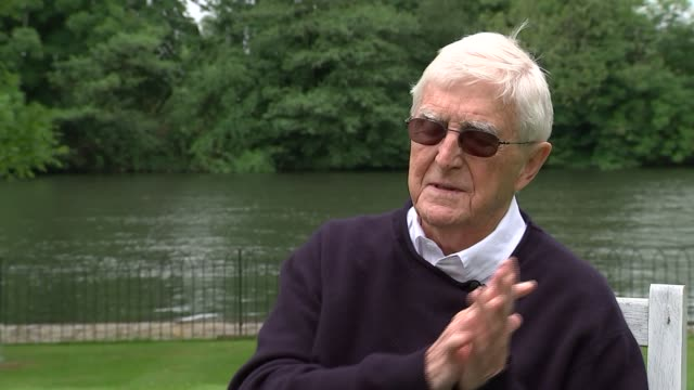 stockvideo's en b-roll-footage met parkinson reaction england berkshire ext sir michael parkinson interview on his reaction to the death of former world heavyweight champion muhammad... - michael parkinson
