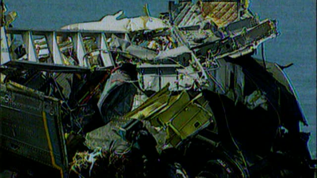 mull of kintyre helicopter crash: results of report due; tx 4.6.1994 scotland: mull of kintyre: ext various shots raf chinook helicopter crash scene... - itv weekend late news点の映像素材/bロール
