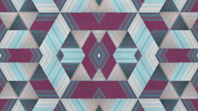 mehrfarbiger hypnotischer hintergrund auf alter schmutziger oberfläche. schärfentiefe. kaleidoskopische vj bewegung gestreifte design. digitale loop-animation. 3d-rendering. hd-auflösung - kaleidoskop muster stock-videos und b-roll-filmmaterial