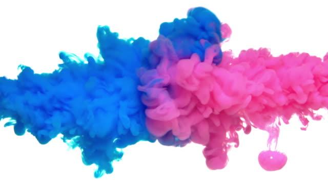 vídeos de stock e filmes b-roll de slow-mo: multicolor liquid flow - acidente conceito