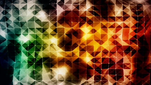 vídeos de stock, filmes e b-roll de metragem loopable abstrato funky colorido do fundo do mosaico com triângulos - multi coloured