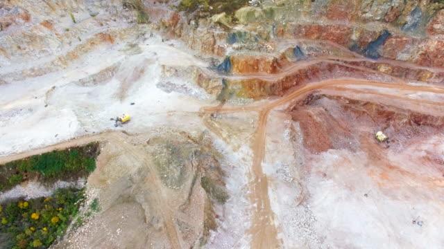stockvideo's en b-roll-footage met antenne: veelkleurige marmeren open-pit mine - graniet