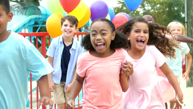 multi-ethnic children at birthday party run forward - kids in a row stock videos & royalty-free footage