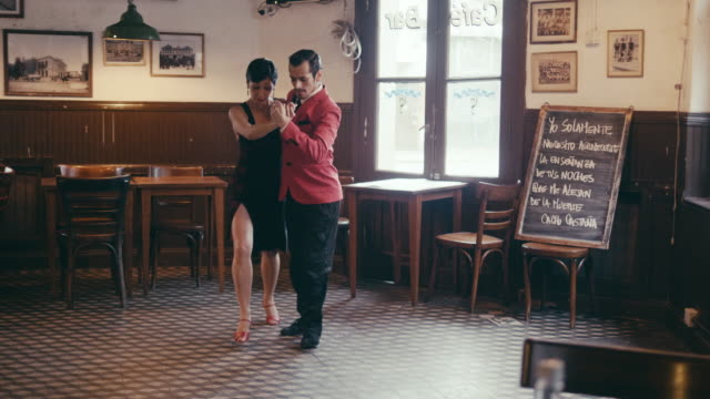 multi-generation latin-american family enjoying tango show in the restaurant - tango dance stock videos & royalty-free footage
