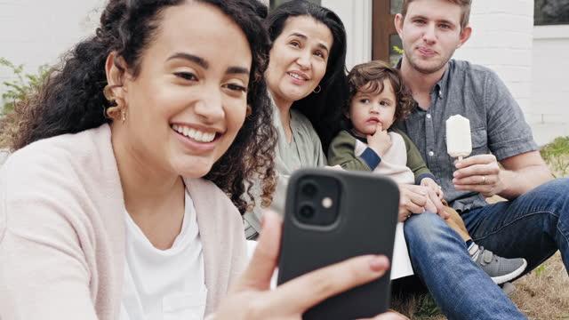 multi-generational family taking selfie - toddler stock videos & royalty-free footage