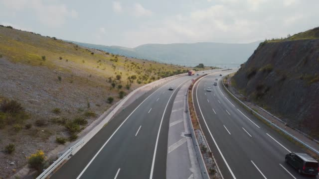 multiple lane highway - autostrada video stock e b–roll