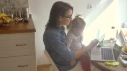 Multi-tasking mom 4K