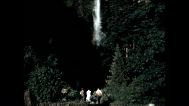 multnomah falls is a waterfall in oregon on the columbia river gorge - columbia river gorge stock videos & royalty-free footage
