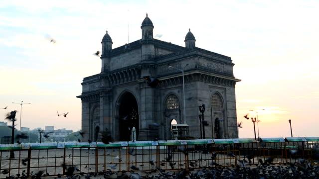 mumbai gateway india maharashtra monument sunrise - colonial stock-videos und b-roll-filmmaterial