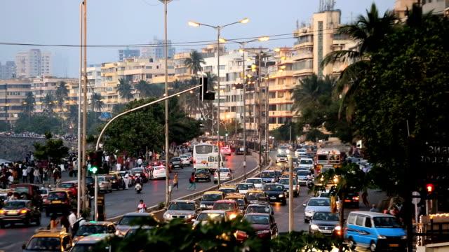 mumbai india marine drive city skyline travel  - ampel stock-videos und b-roll-filmmaterial