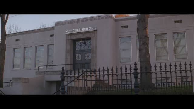 stockvideo's en b-roll-footage met ms, municipal building, madison county, north carolina, usa - town hall