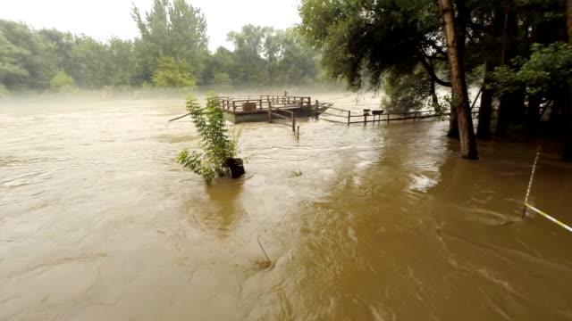AERIAL Fluss Mur Überschwemmung