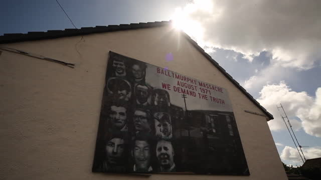 mural in ballymurphy demanding justice for people killed by british soldiers in 1971 - innocence stock videos & royalty-free footage