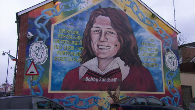 mural on house wall, belfast, northern ireland - politics icon stock videos & royalty-free footage