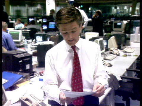 murnaghan and owen wilcox live in newsroom sot - comments from william hague live studio murnaghan and owen - ダーモット・マーナハン点の映像素材/bロール
