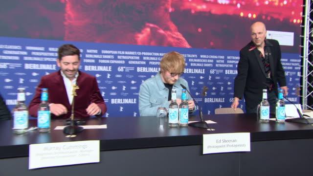 vidéos et rushes de murray cummings ed sheeran at 68th berlin film festival 'songwriter' press conference at grand hyatt hotel on february 23 2018 in berlin germany - ming