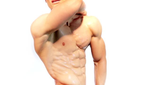 stockvideo's en b-roll-footage met muscular male torso - torso