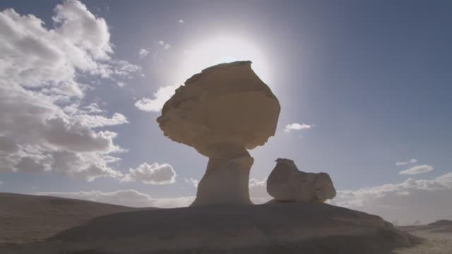 stockvideo's en b-roll-footage met ws mushroom shape limestone rock / qasr al farafra, egypt - sedimentary rock