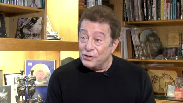 40th anniversary of concept album 'The War of the Worlds' ENGLAND London INT Jeff Wayne interview SOT CUTAWAY 'The War of the Worlds' album