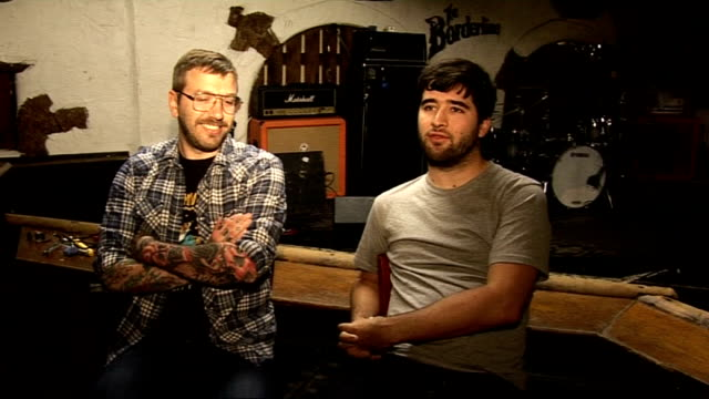 stockvideo's en b-roll-footage met alexisonfire interview alexisonfire interview sot on tips for festivals alexisonfire giving backstage tour sot - popmuziek tournee