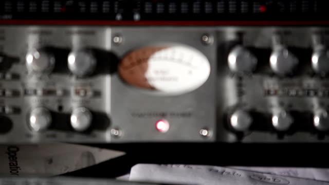 Música áudio metros MU