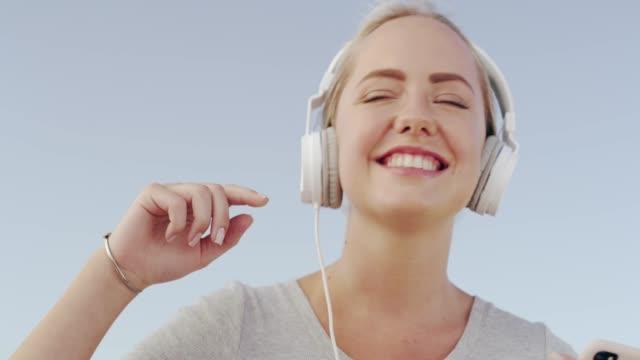 音楽は自動的に最高の気分で私を置く