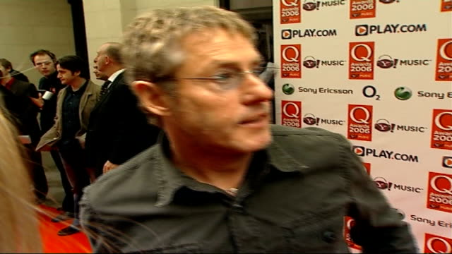 red carpet arrivals; roger daltrey interview sot - i'm not looking forward to this at all / looking forward to going home - roger daltrey stock videos & royalty-free footage