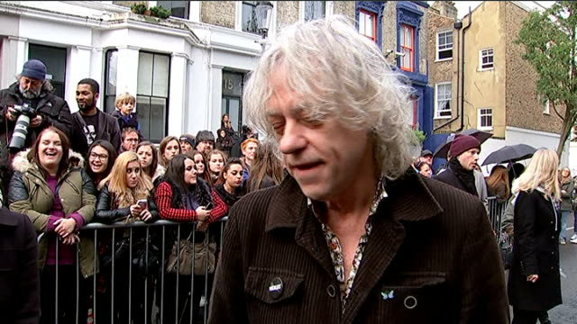 stockvideo's en b-roll-footage met band aid remake do they know it's christmas in aid of ebola victims england west london bayswater photography*** bob geldof interview sot you can't... - bob geldof