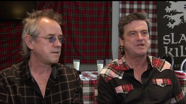 bay city rollers announce reunion les mckeown stuart wood and alan longmuir interview sot / bay city rollers posing with tartan scarves bay city... - tartan video stock e b–roll