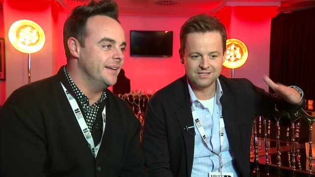 stockvideo's en b-roll-footage met brit awards 2016 ant and dec interview sot - ant mcpartlin