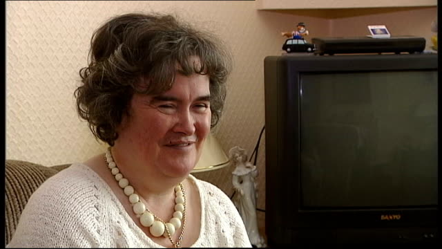 'britain's got talent' singer susan boyle a hit on youtube scotland nr edinburgh blackburn int susan boyle interview sot all i can say is thank you... - britain's got talent stock-videos und b-roll-filmmaterial
