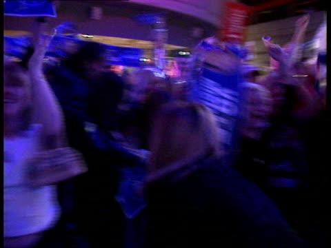 christmas no 1; 13.00: damon green scotland: glasgow: ext/night scottish supporters celebrating michelle mcmanus, from glasgow, winning pop idol... - popmusiker stock-videos und b-roll-filmmaterial