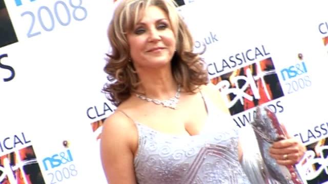 stockvideo's en b-roll-footage met classical brit awards 2009 england london lib int lesley garrett posing at 2008 classical brit awards - lesley garrett