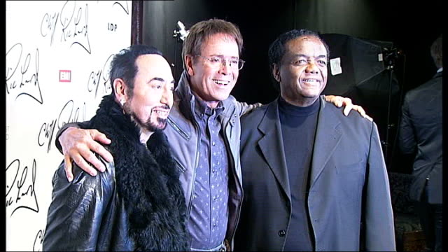 vídeos de stock, filmes e b-roll de cliff richard to record covers album with motown stars *** beware richard holland and gest posing for photocall richard interview sot - título de álbum