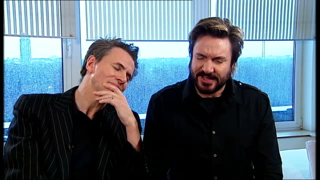 stockvideo's en b-roll-footage met duran duran interview simon le bon and john taylor interview continued sot on what their children think on nina hossein liking duran duran and her... - duran duran