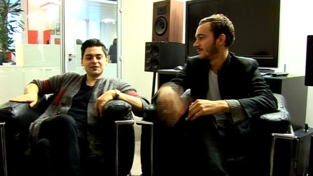 Editors interview Chris Urbanowicz and Tom Smith interview continues SOT On putting the new album out online for fans to listen to / the file sharing...