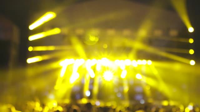 vídeos de stock, filmes e b-roll de festival de música. - evento ao vivo