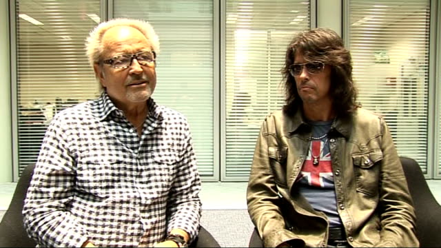 foreigner interview; mick jones and kelly hansen interview sot - on what current bands they like - mick's stepson is mark ronson, arcade fire, jack... - arcade fire stock videos & royalty-free footage