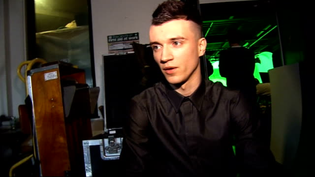 stockvideo's en b-roll-footage met frankmusik interview and making of video ** some vincent frank interview sot on making the video for 'better off as two' his shameless dance moves on... - popmuziek tournee