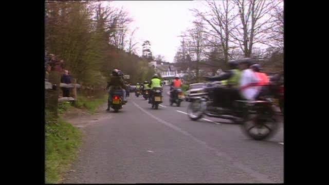 gary glitter takes part in charity bike ride; england: surrey: box hill:extgv crowd of bikers - gary glitter in black leather motorcycle gearglitter... - gary glitter stock videos & royalty-free footage
